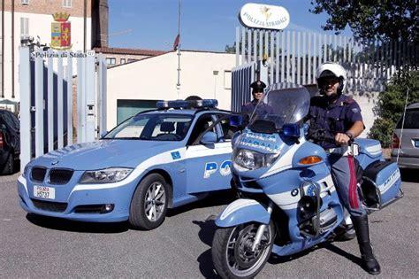 siena albanese si presenta all ufficio verbali della - Polizia Stradale Di Ufficio Verbali