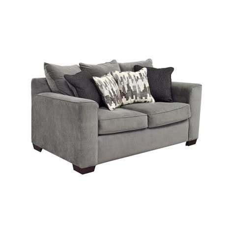 44 bob 39 s furniture bob 39 s furniture grey loveseat
