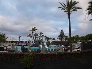 quotpool mit flachem zugang fur die kidsquot hotel h10 suites With katzennetz balkon mit h10 lanzarote gardens costa teguise