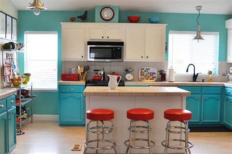 Kitchen  Three Color Palette Tips  Quiet Corner