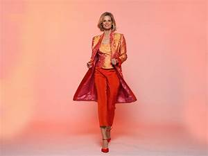Tailleur pantalon original en soie brodee orange for Robe ou ensemble habillé