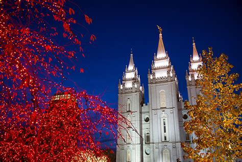 temple square flips the switch on 2016 lights