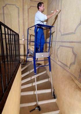 escabeau pour escalier avec r 233 glage ind 233 pendant des 4 pieds