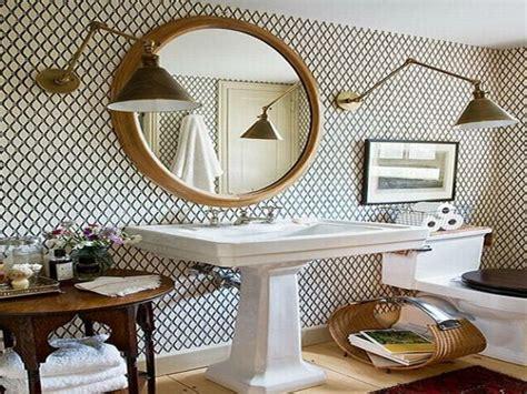 papier peint salle de bain pourquoi pas