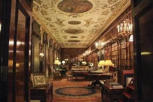 Library Lea(r)ning A DECORATIVE AFFAIR