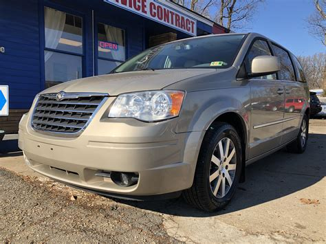 2009 Chrysler Town And Country Owners Manual by Chrysler 2009 Town And Country Owners Manual Chrysler