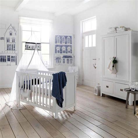 chambre bébé design déco chambre bébé le voilage et le ciel de lit magiques