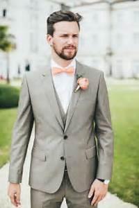 Costume Mariage Homme Gris : un joli costume pour votre mariage messieurs save the big date ~ Mglfilm.com Idées de Décoration