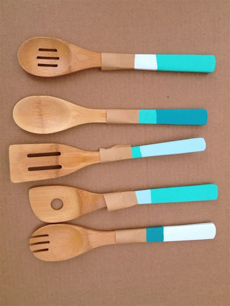 ustensiles de cuisine en bois personnaliser ses ustensiles de cuisine en bois idée