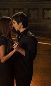 The Vampire Diaries: 5 Iconic Damon and Elena moments