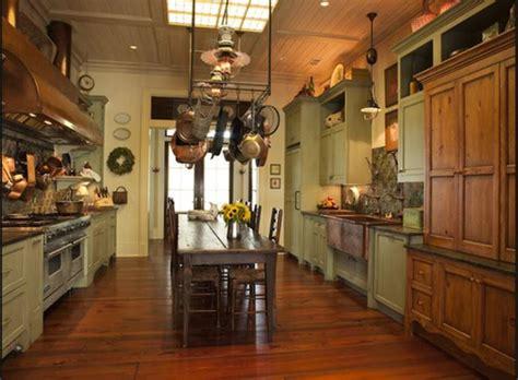Tour Paula Deen's Savannah River Home Located On