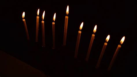 Light The Menorah by Menorah Candle Lighting Order 2017 Decoratingspecial