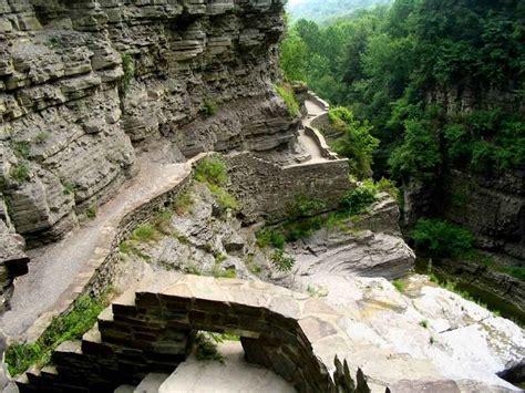 Upper Enfield Gorge - Ledge Trails