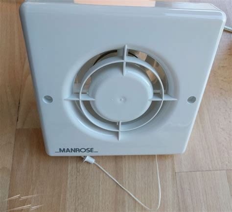 Xfp Manrose Bathroom Extractor Fan With Pull