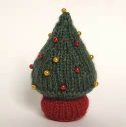 christmas in july knit a christmas tree free patterns grandmother s pattern book