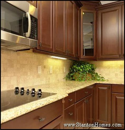 kitchen tile and cabinet combinations kitchen design ideas countertop and tile backsplash