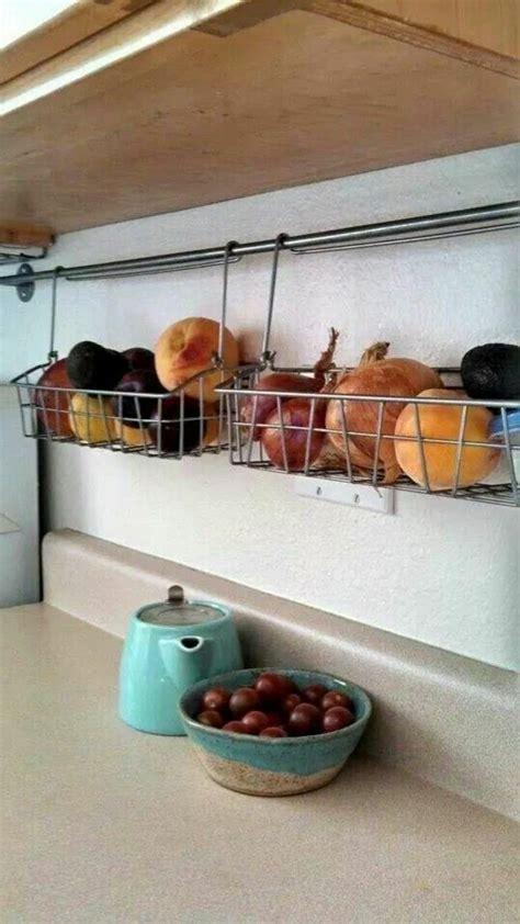 ranger la cuisine 17 meilleures idées à propos de rangement cuisine sur placards organisation