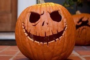 Visage Citrouille Halloween : transforme ta citrouille en jack o 39 lantern de halloween ~ Nature-et-papiers.com Idées de Décoration