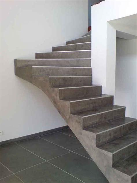 protection plan de travail bois cuisine réalisation d 39 un escalier en béton ciré nos applications