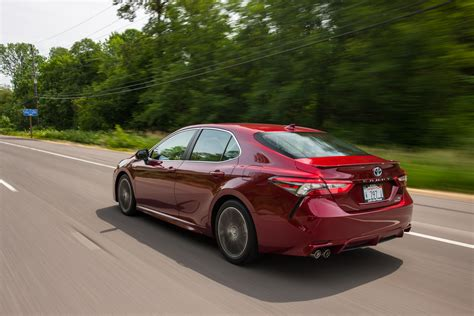 Review Toyota Camry 2018 toyota camry hybrid review caradvice