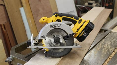 How To Make A Rip Fence Jig For A Circular Saw Jon