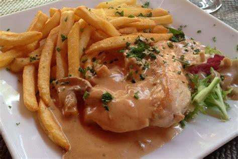 recette de cuisine poulet recette escalopes de poulet sauce normande sur miam et bon