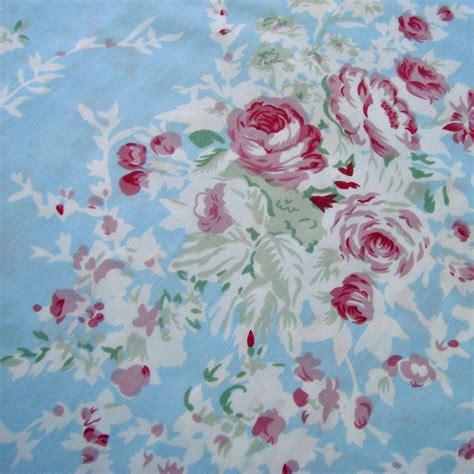 shabby chic vintage fabrics top 28 shabby chic vintage fabrics a pile of vintage eiderdowns cottage bedrooms sanderson