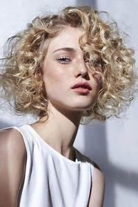 Cheveux Court Bouclé Femme : permanente cheveux courts et fins ~ Louise-bijoux.com Idées de Décoration