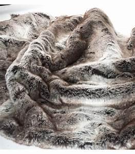Plaid Fourrure Gris : couvre lit fausse fourrure luxe gris 240 x 260 cm plaid addict vente en ligne de 300 500 ~ Teatrodelosmanantiales.com Idées de Décoration