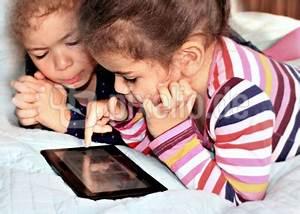 Tablett Für Kinder : kostenloses foto tablet f r kinder ~ Orissabook.com Haus und Dekorationen