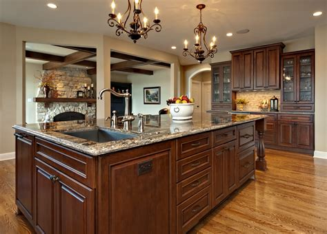 extra room  dining   large kitchen islands