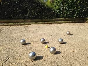 Dimension Terrain De Boule : faire un terrain de p tanque la pause jardin ~ Dode.kayakingforconservation.com Idées de Décoration