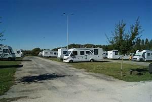 Car La Rochelle : motorhome parking la rochelle aire de camping car jean moulin campercontact ~ Medecine-chirurgie-esthetiques.com Avis de Voitures