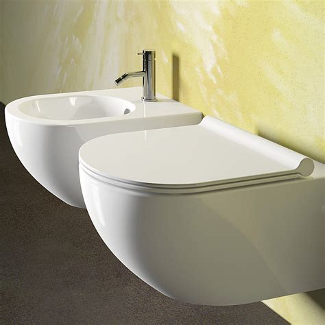 sanitari bagno catalano sanitari sospesi ceramica catalano sfera 54 con sedile
