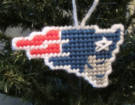 3 28 ornament new england new patriots ornament in by auntcccreations 3 00 crochet plastic canvas