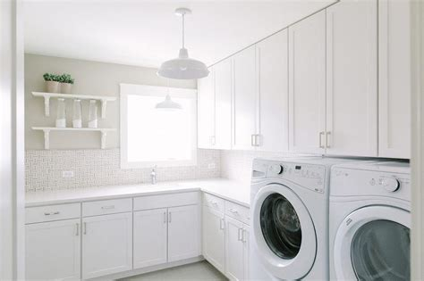 White Laundry Room  Design Decoration