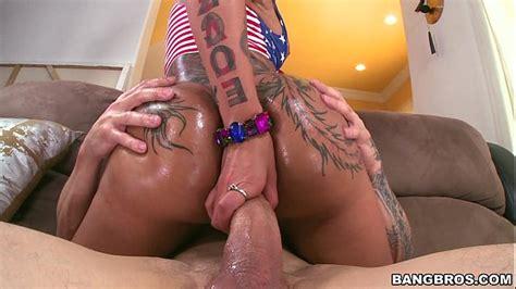 Big Butt Pornstar Bella Bellz Receives Anal Domination