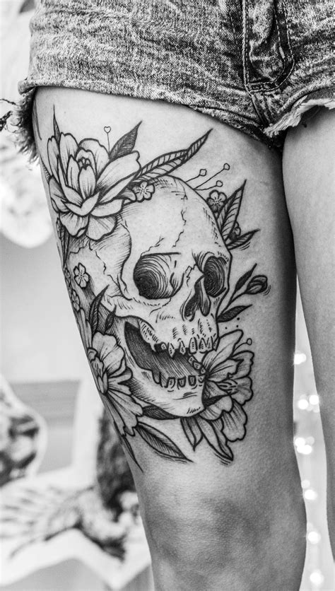 For Them Ink Boys Skull Tattoo Flowers Leg