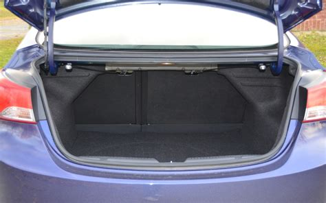 hyundai elantra limited 2012 la ligne de toit arqu 233 e