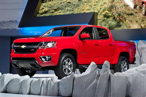 first chevy 2015 chevrolet colorado first look motor trend