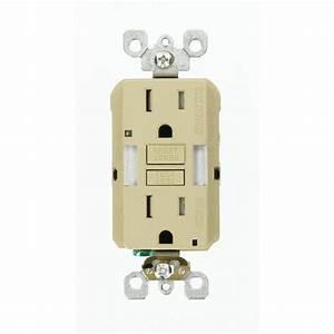 Leviton 15 Amp Smartlockpro Tamper Resistant Gfci Outlet