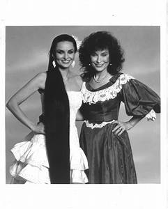 1000+ images about Crystal Gayle on Pinterest | Spotlight ...