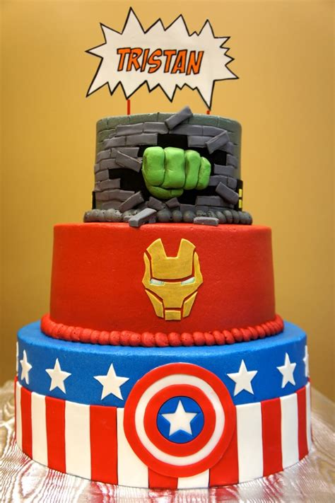 awesome avengers cakes pretty  party