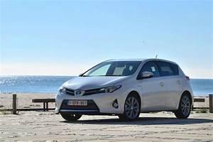 Avis Toyota Auris Hybride : photos de voitures toyota chr 2016 photo ~ Gottalentnigeria.com Avis de Voitures