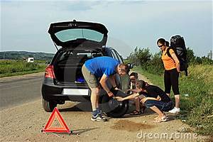 People Fixing A Flat Tire Royalty Free Stock Photo - Image ...