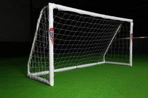 Cage Foot Enfant : cage de foot pour enfant donnez leur la passion du football travaux entretien et r novation ~ Teatrodelosmanantiales.com Idées de Décoration
