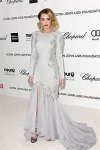Miley Cyrus tight dress at Elton John Oscar Party-08 - FABZZ