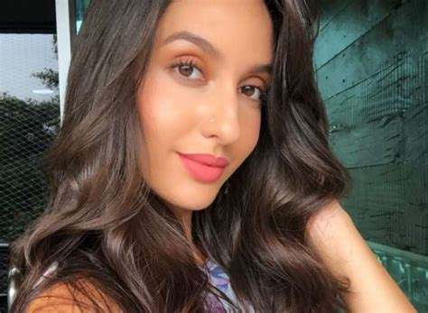 nora fatehi  befitting reply   accused