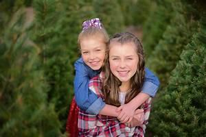 Family photo shoot on a Christmas tree farm - ashatalin.com Photography