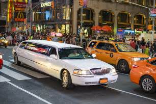 Limousine Taxi by Why Limo Services Are Better Than Taxi Excellence Limo